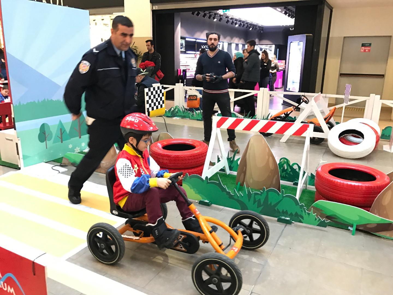 """Forum Erzurum'da """"Mini Sürüş Akademisi"""" tüm hızıyla sürüyor"""