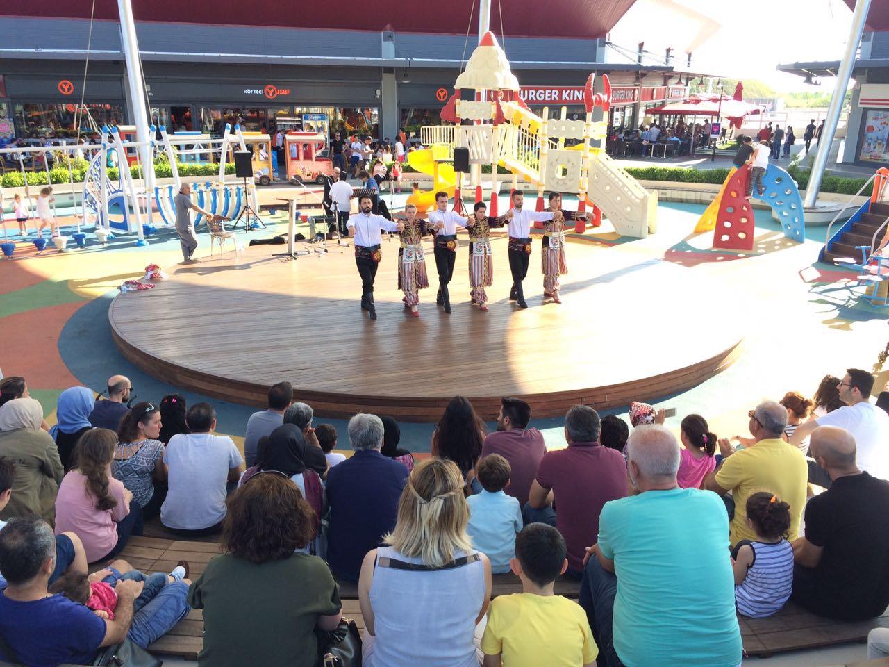 Outlet Center İzmit'te 30 Ağustos Zafer Bayramı coşkusu