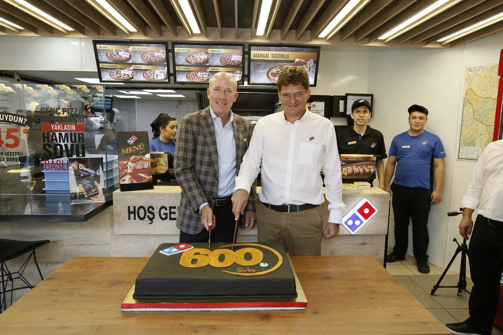 Dominos'un global hedefi bin 800 restoran açmak!