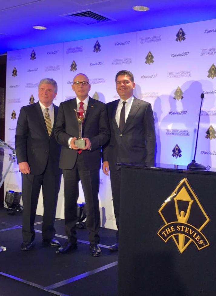 Migros iş dünyasının en büyük ödülünü Türkiye'ye getirdi!