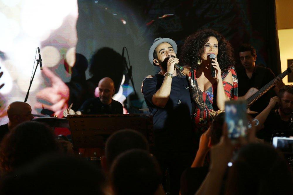 Ünlü sanatçılardan Akbatı'ya 6'ıncı yaş sürprizi