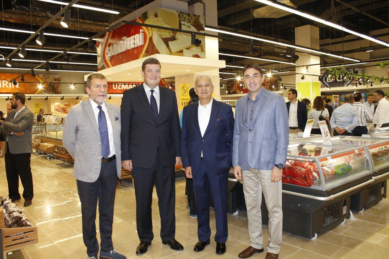 Anadolu Yakası'nın en görkemli 5M Migros'u açıldı