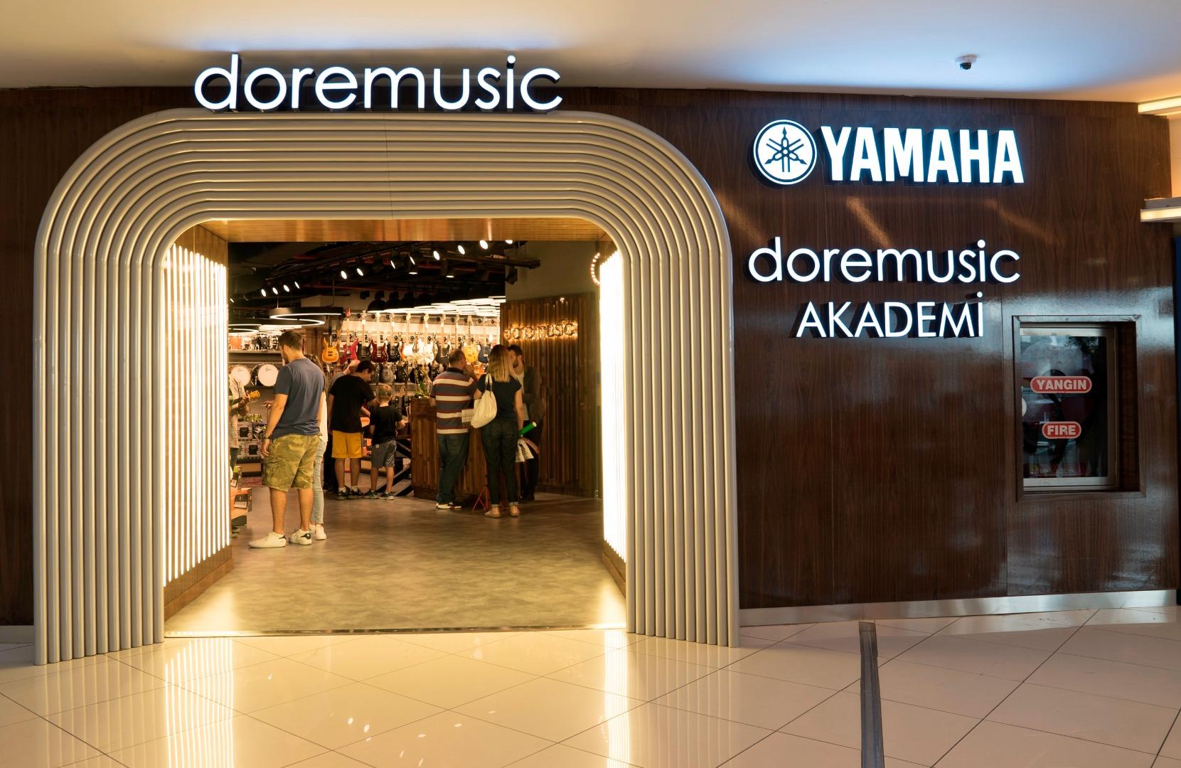 Akmerkez'de müzisyenler için yeni bir buluşma noktası açıldı