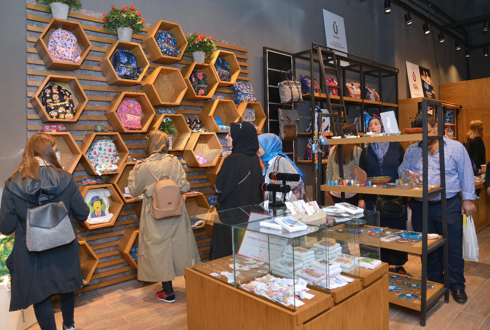 """Türkiye'nin """"En İyi"""" mağazası Üsküdar'da açıldı"""