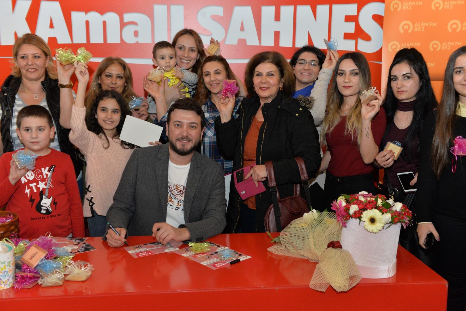 Onur Büyüktopçu, Kadınlar Günü'nü Ankaralı kadınlarla kutladı