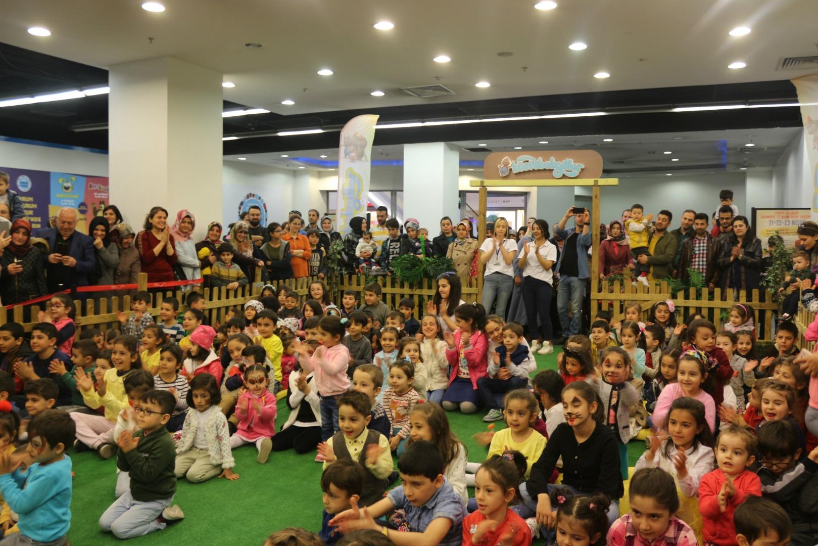 Forum Erzurum'da nisan dolu dolu geçti