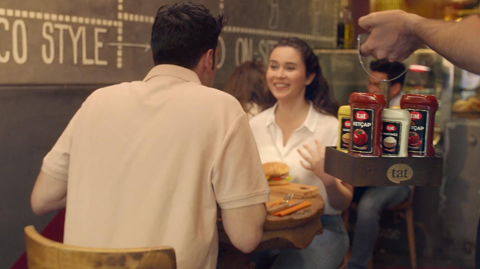 Yeni şişesi ve reklam filmiyle Tat Ketçap sofralarda