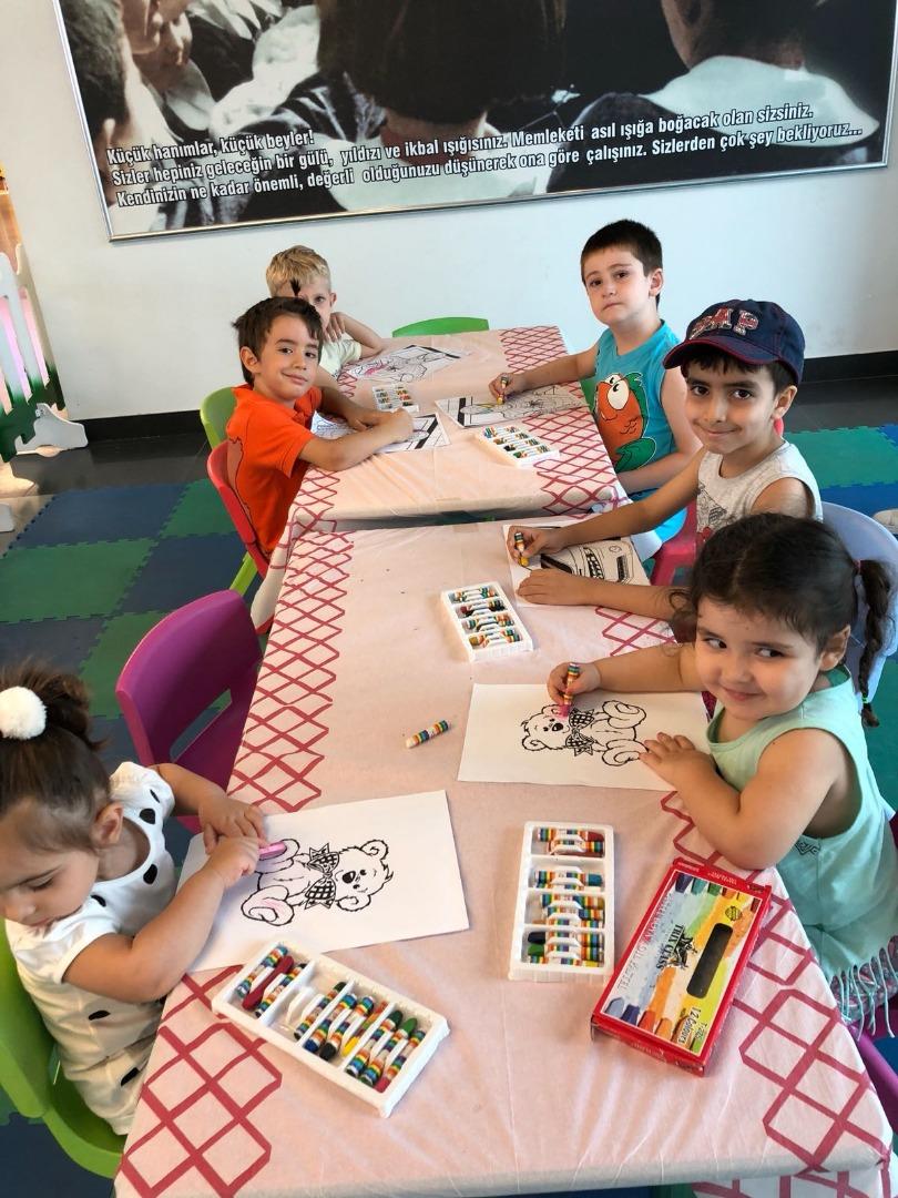 Yaz okulu etkinlikleri Agora'da dolu dolu geçti