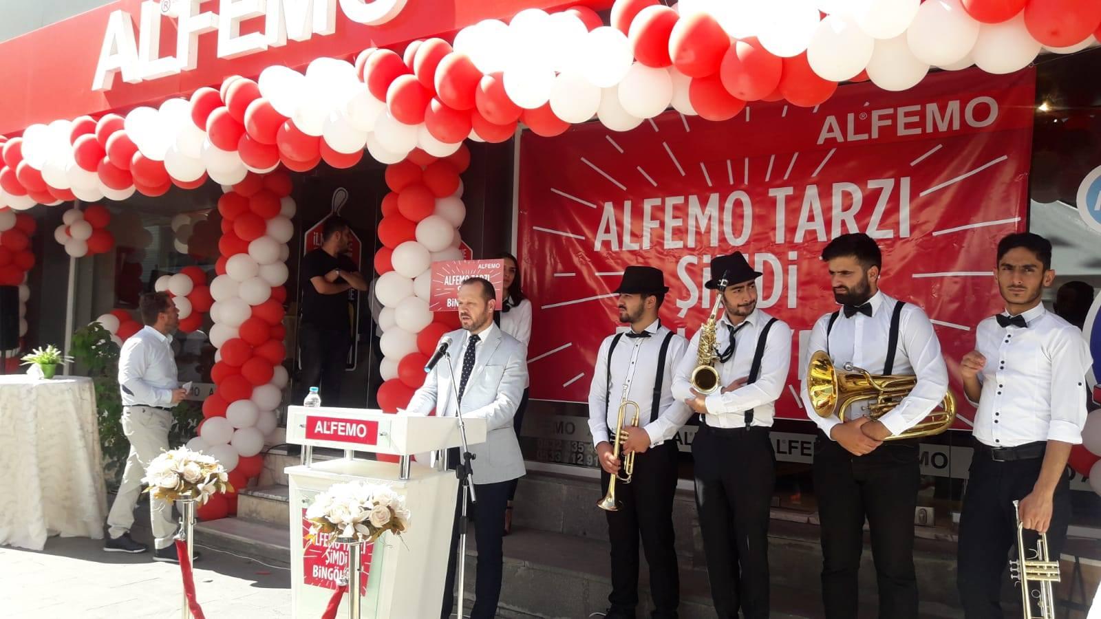 Alfemo'dan 1 haftada 3 mağaza açılışı birden