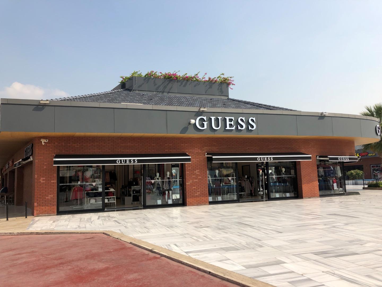 Guess Türkiye'de 5 yeni mağaza ile güçleniyor
