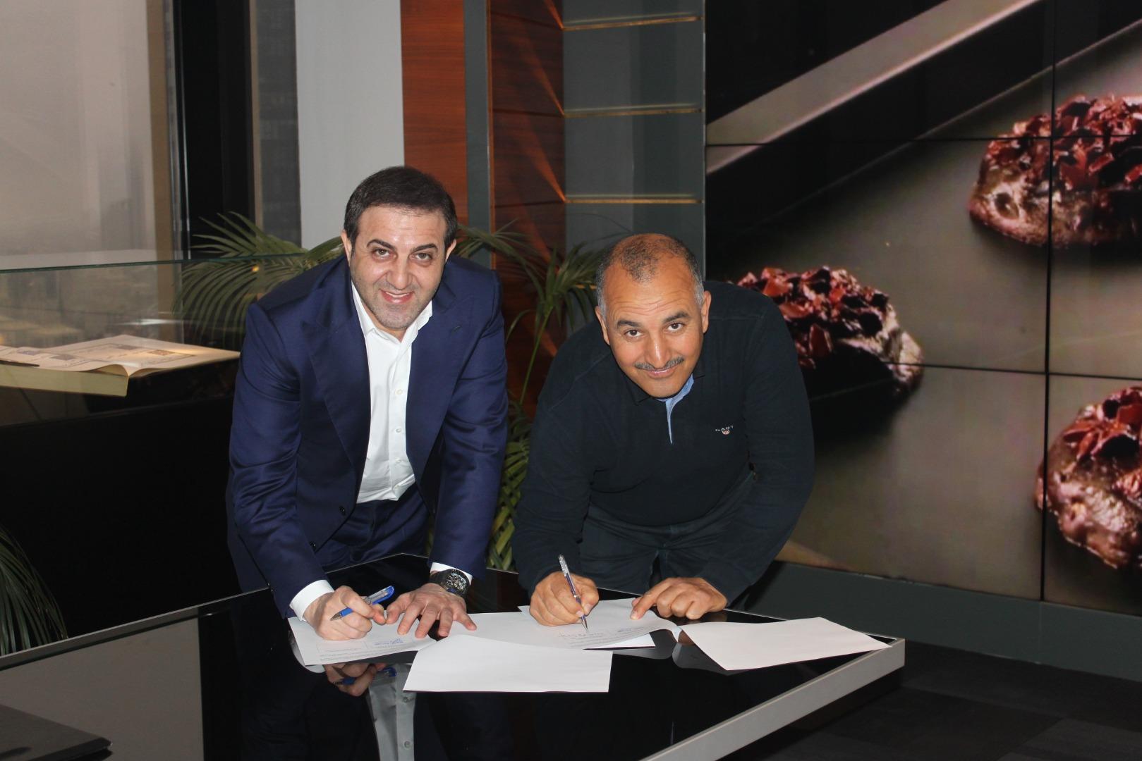 Simit Sarayı 3 kıtada sözleşme imzaladı