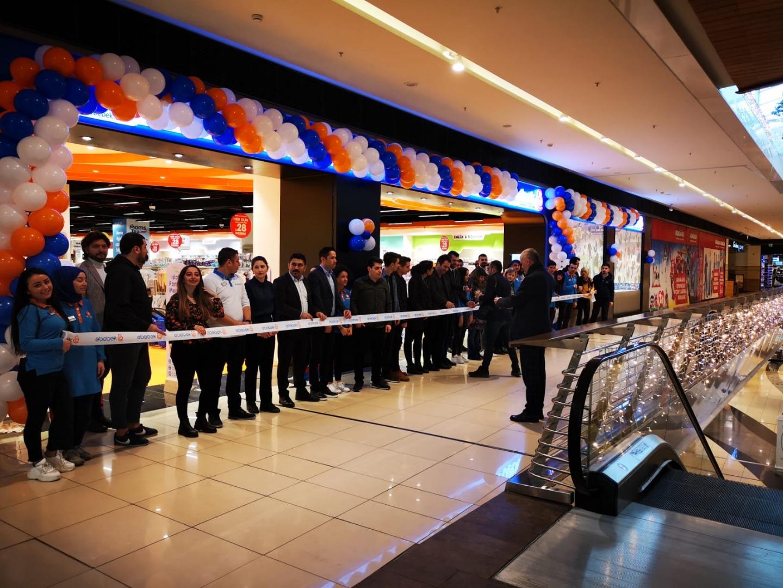 ebebek yeni mağazasını Maltepe Park AVM'de açtı