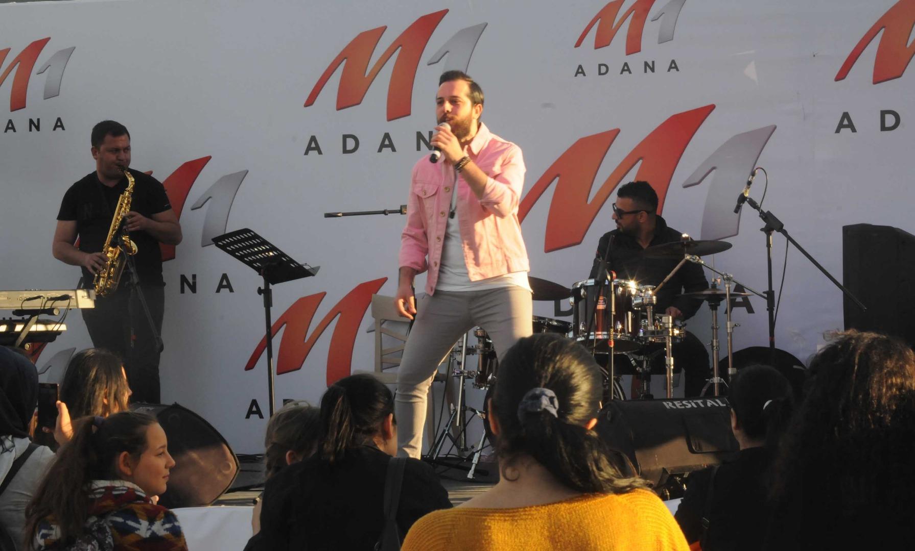 M1 Adana 23 Nisan'ı büyük bir coşkuyla kutladı