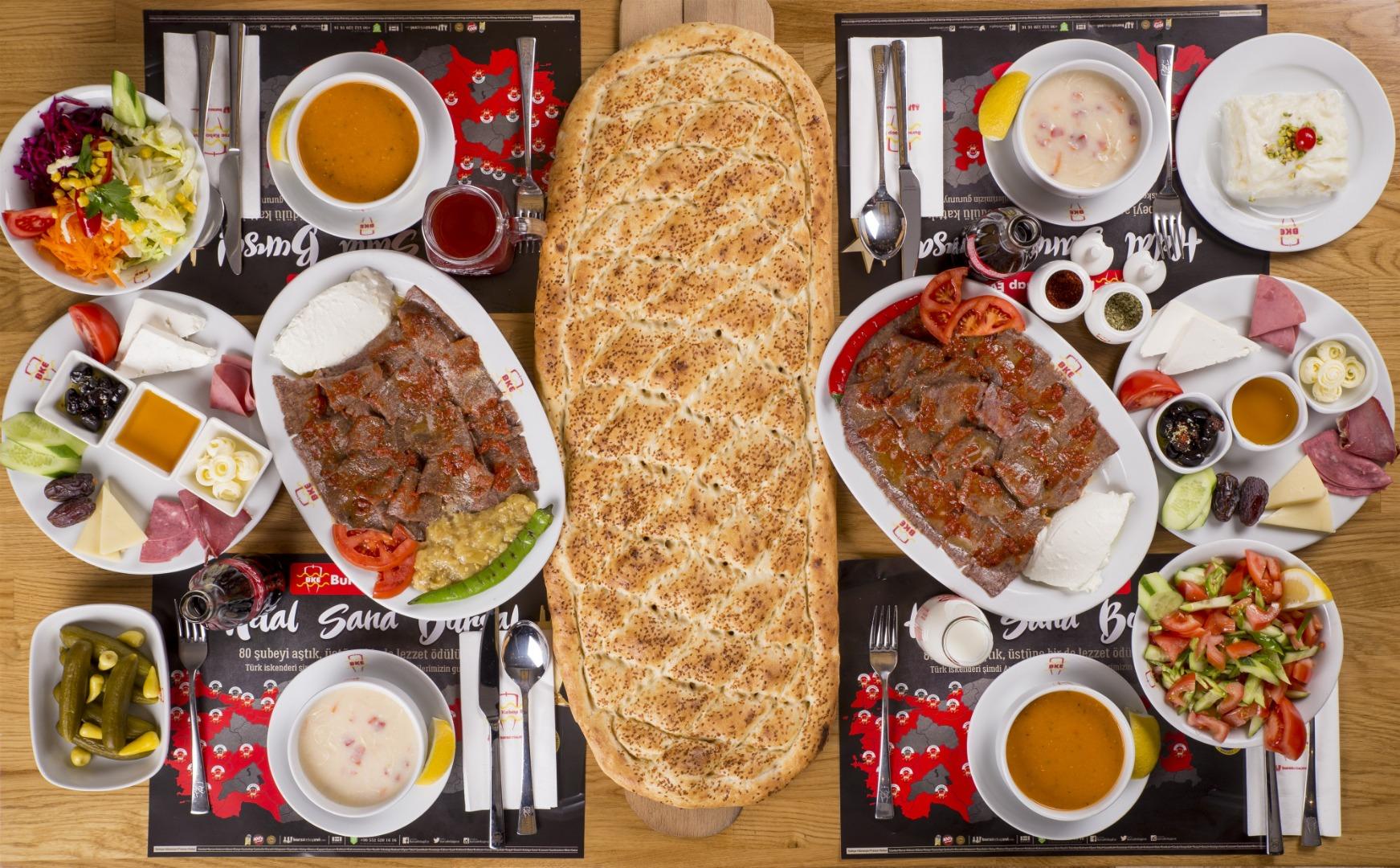 Bursa Kebabı iftar sofralarının vazgeçilmezi oluyor
