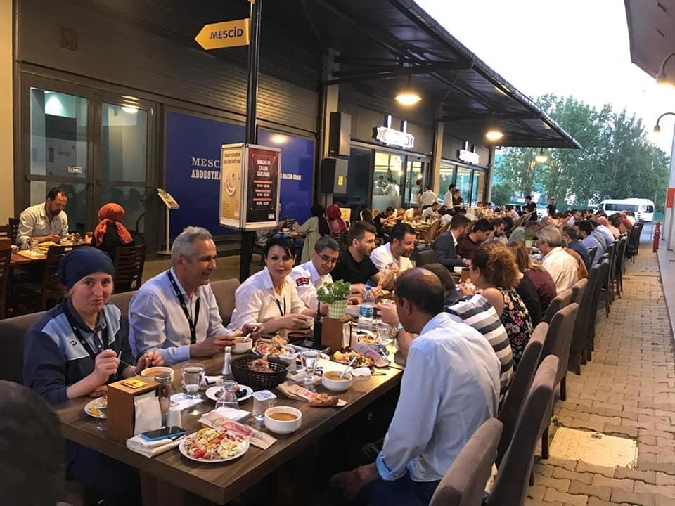 Outlet Center İzmit'in geleneksel iftarı