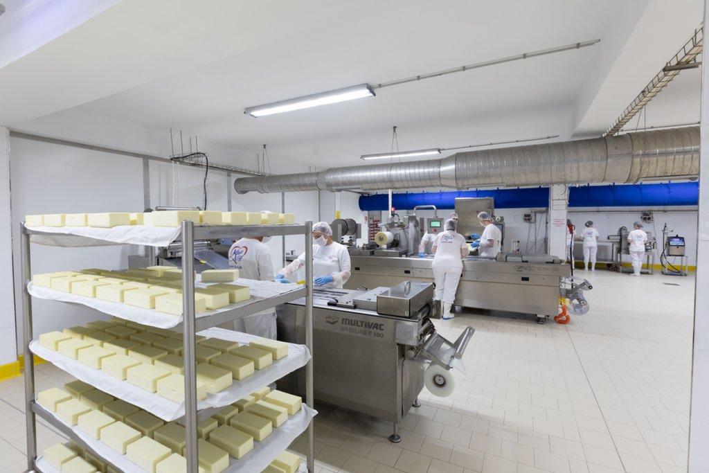 Kaya Çiftliği ayda 6 bin ton süt işleme kapasitesine ulaştı