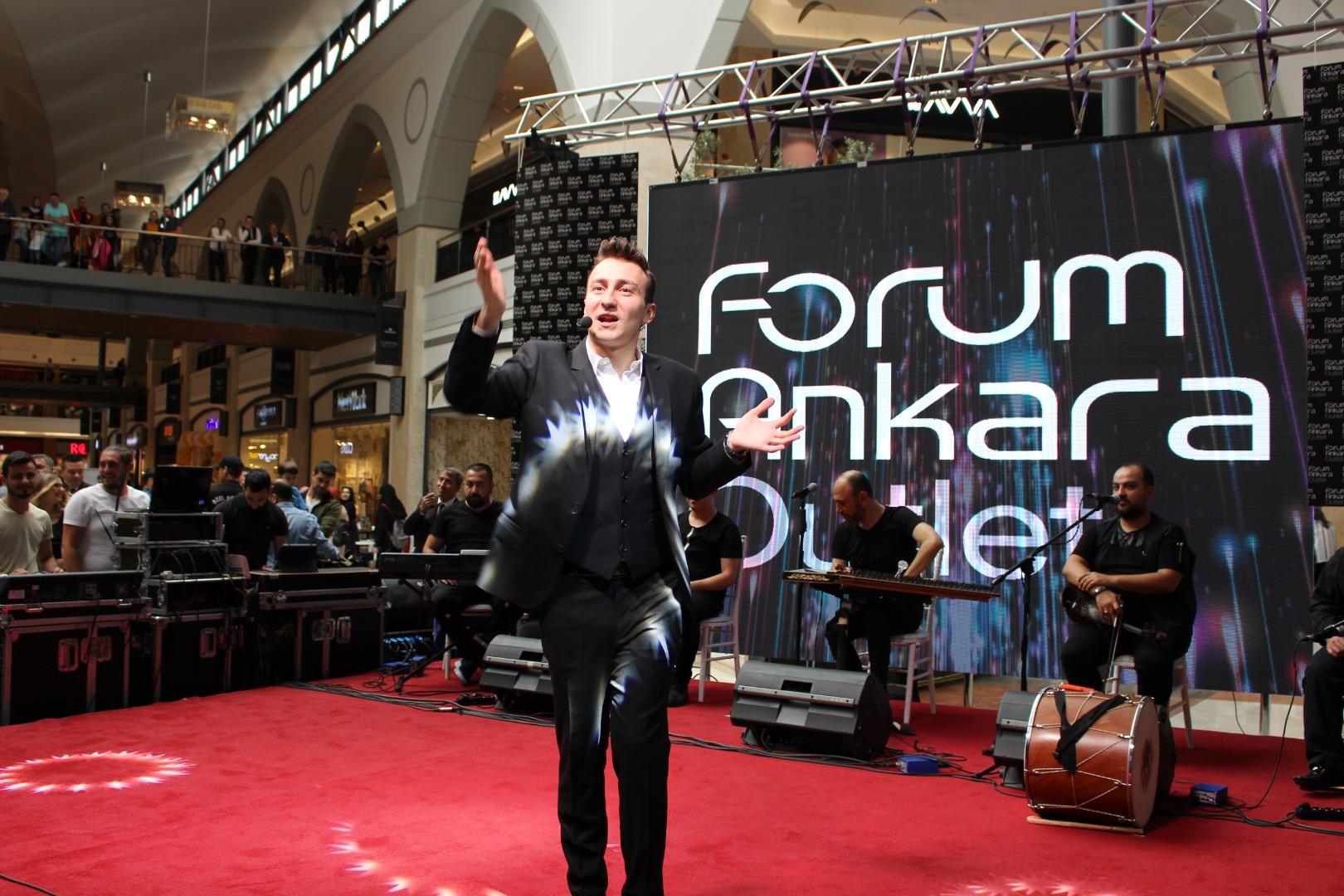 Forum Ankara Sefa Doğanay'ın gösterisiyle eğlendi