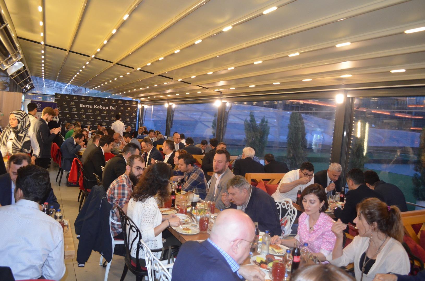 Bursa Kebap Evi UFRAD üyelerini iftar davetinde buluşturdu
