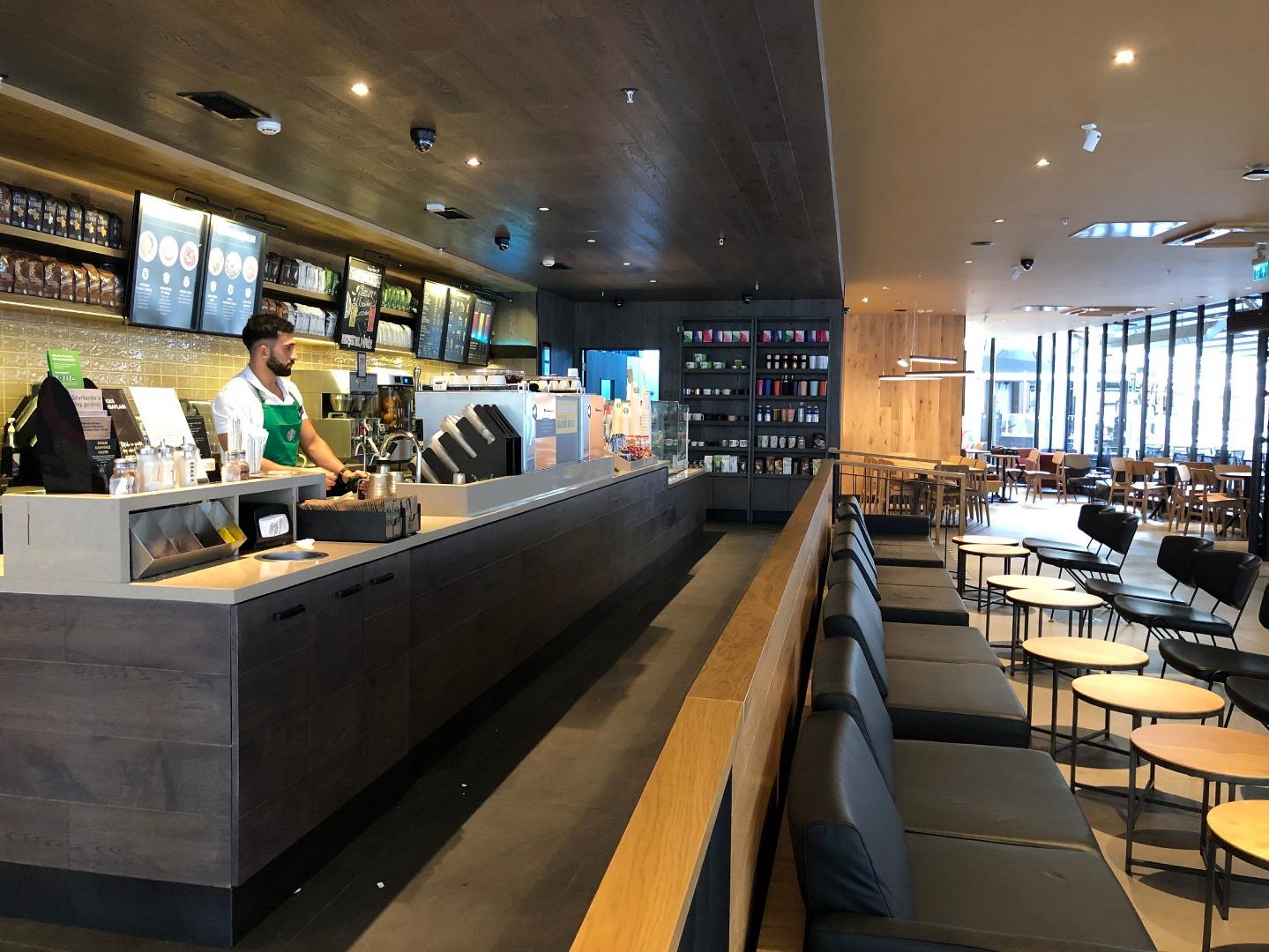 Starbucks yeni adresinde hizmet vermeye başladı