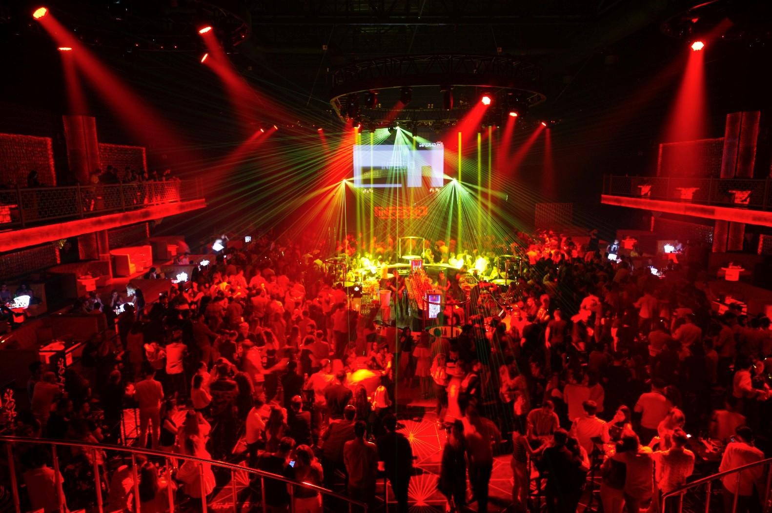Club İnferno Parkora'da hizmete başladı