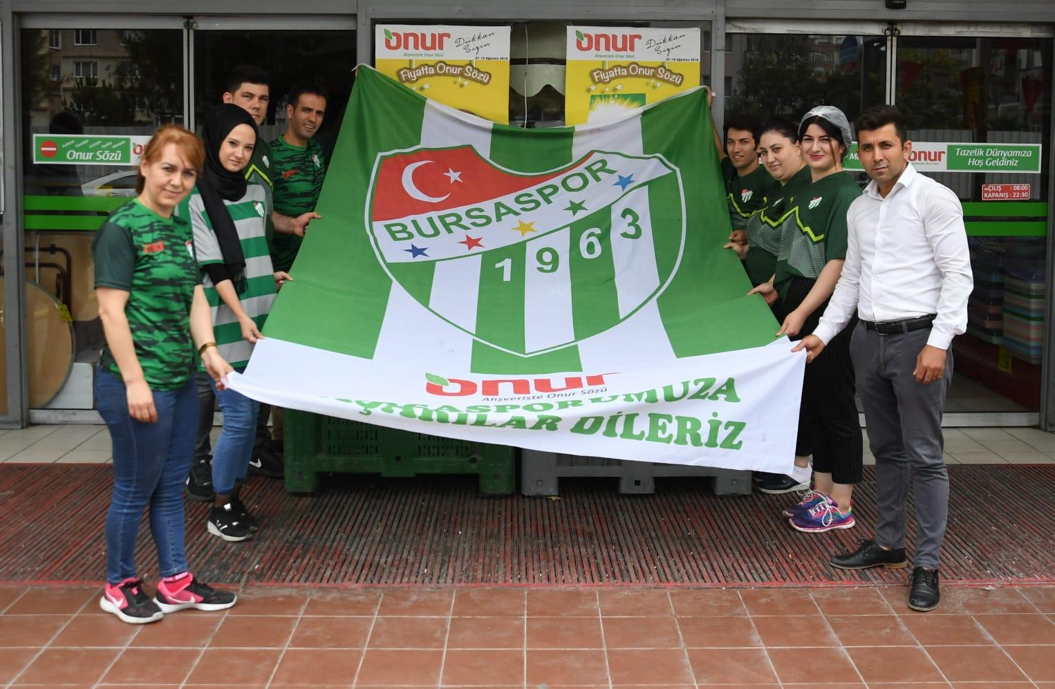 Onur Market Bursaspor'un kampanyasına destek verdi