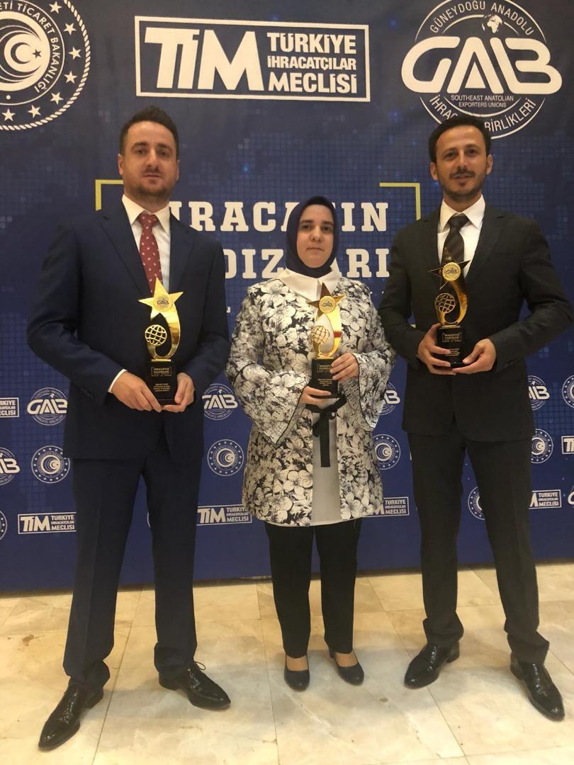 Beşler Grup 3 ödül birden kazandı