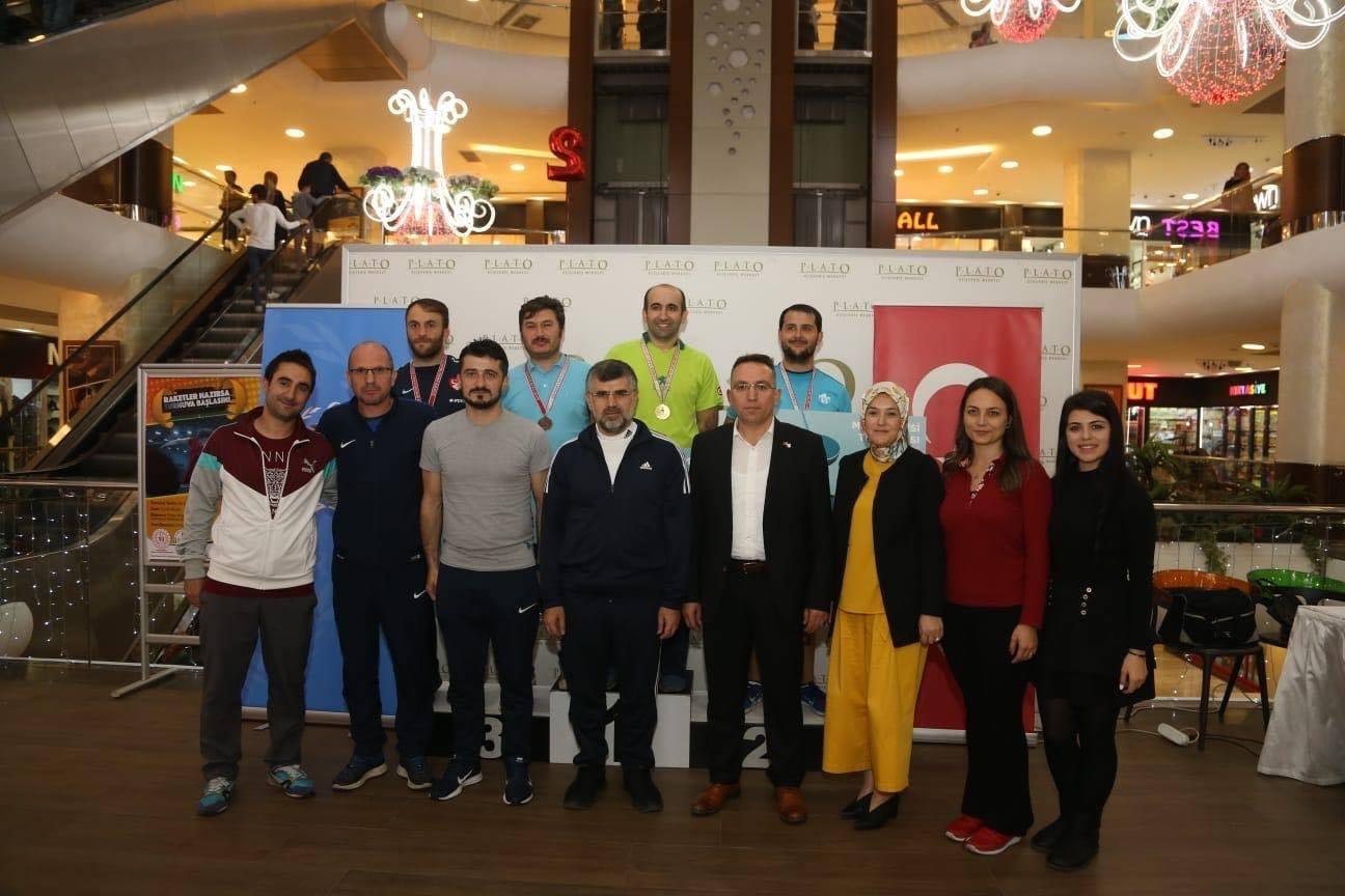 Öğretmenler Günü masa tenisi turnuvası Plato AVM'nin sponsorluğunda gerçekleşti