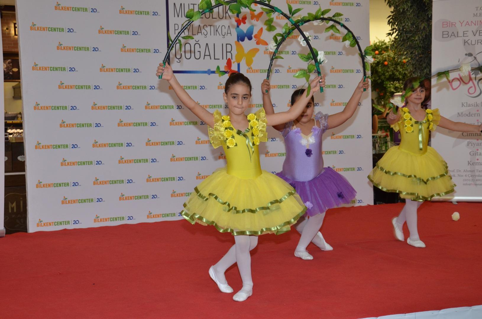 Bilkent Center'da çocuklardan harika dans gösterisi