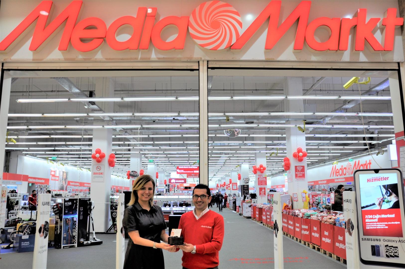 Antares Mağazacılar Günü'nü kutladı