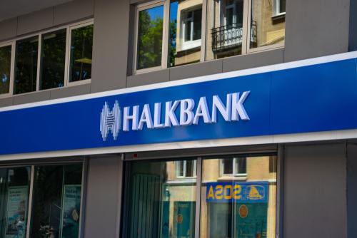 Halkbank'tan kredi faizlerinde yüzde 100 indirim