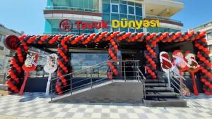 Tavuk Dünyası Sakarya'da üçüncü şubesini açtı