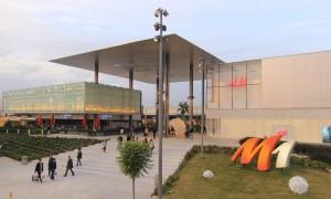 M1 Adana'da açık alışveriş, açık mutluluk
