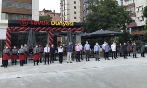 Tavuk Dünyası şimdi de yeni şubesiyle İstanbul Kazasker'de