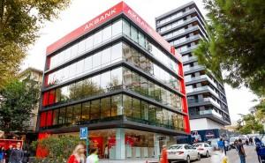 Akbank'tan İzmir'de depremden etkilenenlere faizsiz 3 ay erteleme