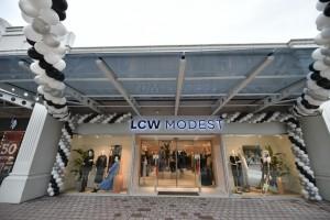 İnegöl AVM, LCW Modest markasını bünyesine kattı