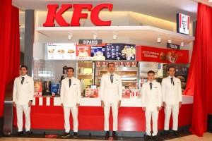 KFC İstinyePark restoranı lezzet korosu eşliğinde açıldı