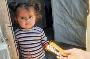 Seyidoğlu Gıda suriyeli çocukların yüzünü güldürdü