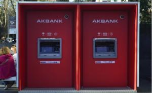 Akbank'ın bütün servisleri normale döndü