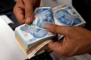 Bütçe ocak-ağustos döneminde 37,5 milyar lira açık verdi