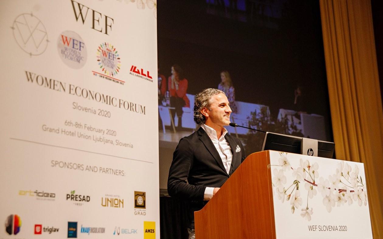 DeFacto CFO'su Önder Şenol WEF'e konuşmacı olarak katıldı