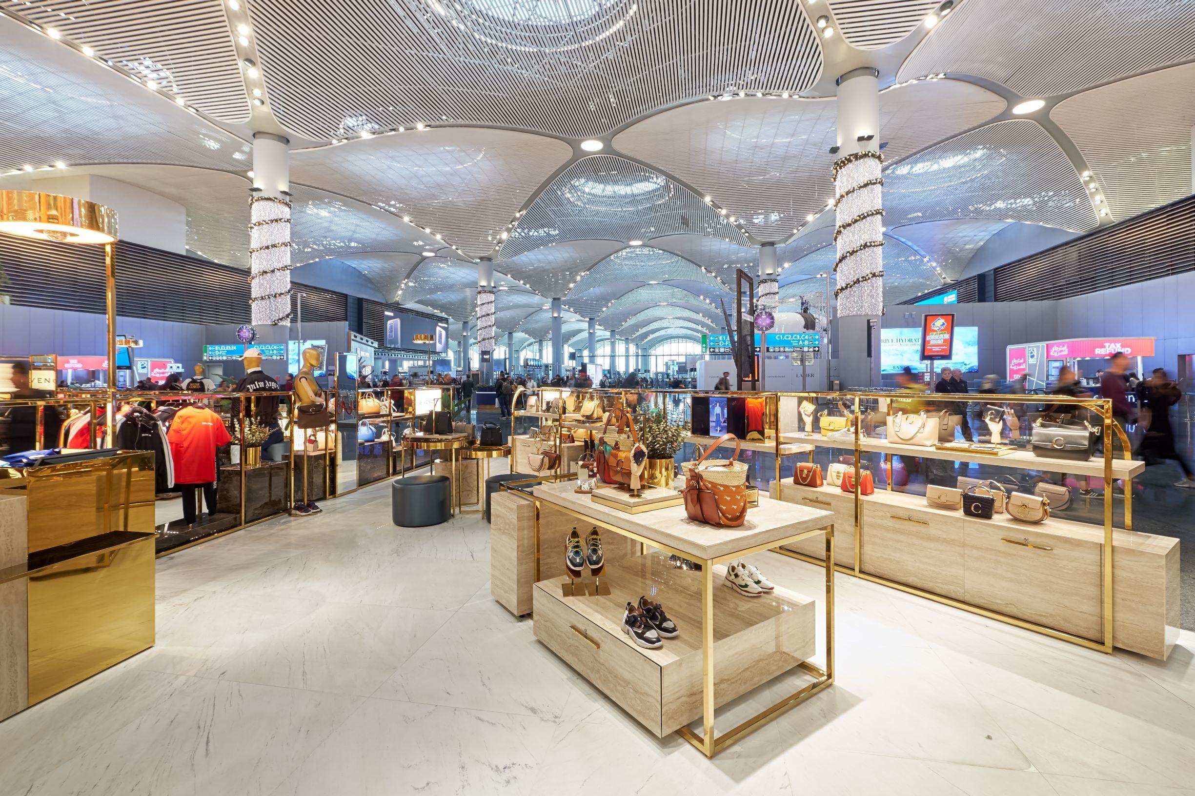 Luxury Square'in açılışı İstanbul Havalimanı'nda gerçekleşti
