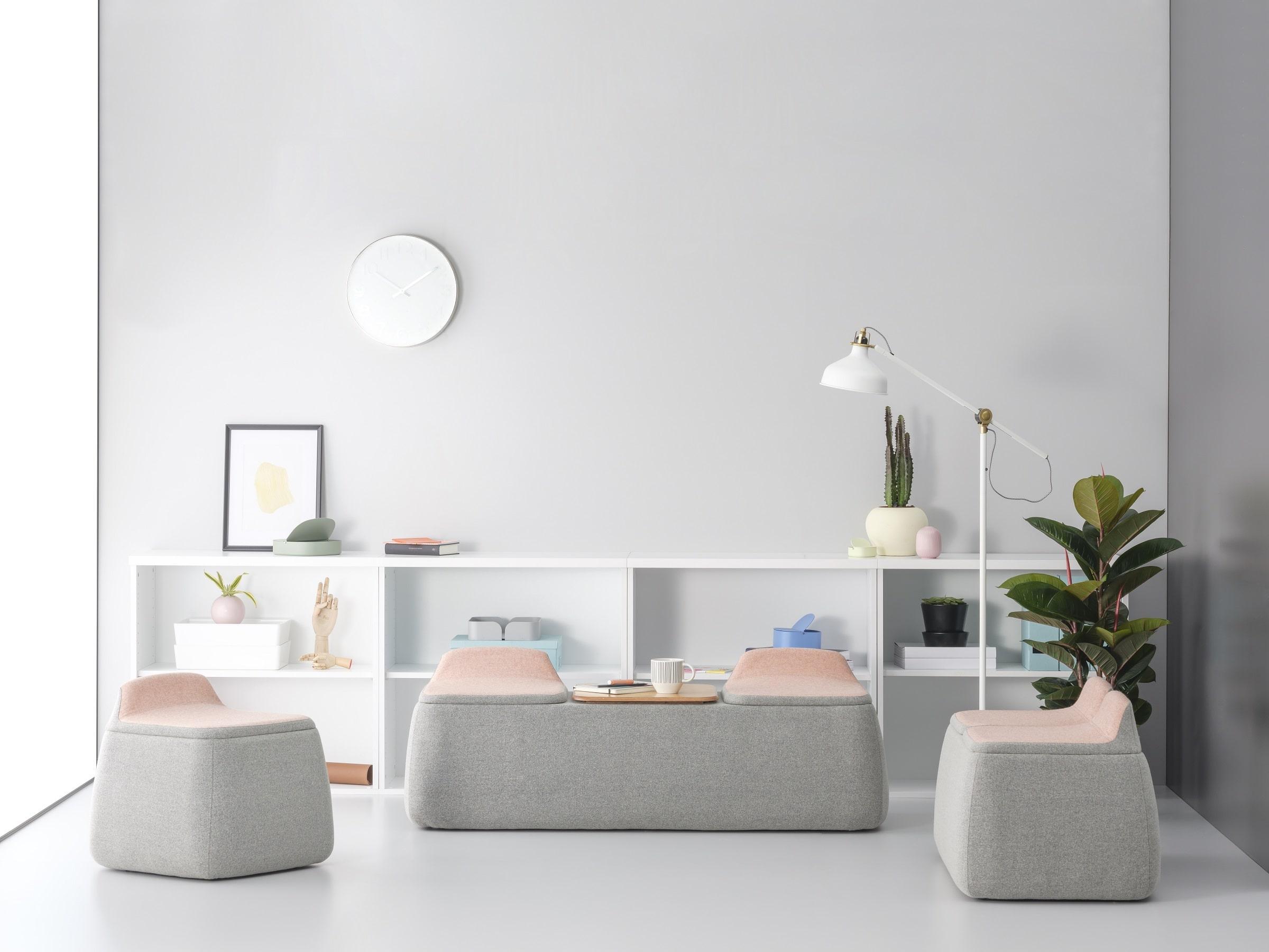 Ofislerde yeni tercih renkli ve işlevsel mobilyalar