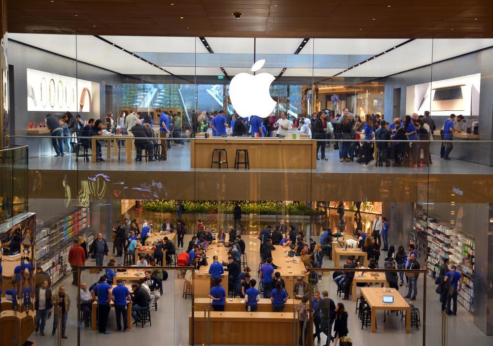 Apple tüm mağazalarında süresiz kapatma kararı aldı